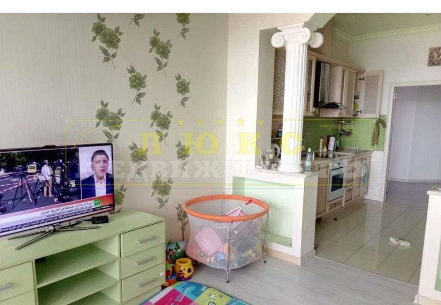 продажа трехкомнатной квартиры номер A-125278 в Приморском районе, фото номер 7